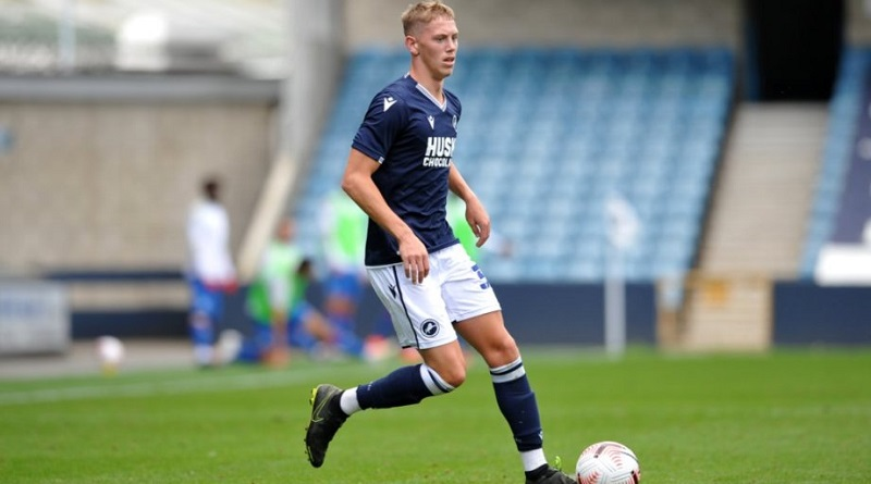'Hard work continues' as Millwall defender joins quartet in signing new Den contracts