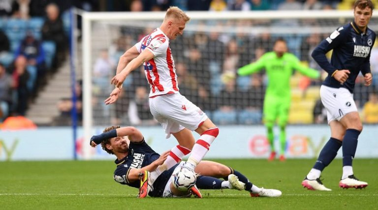 Millwall injury update on George Evans and Mason Bennett ahead of Huddersfield Town